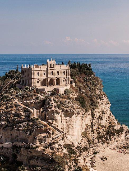 Santuario Santa Maria dell'Isola, Tropea.