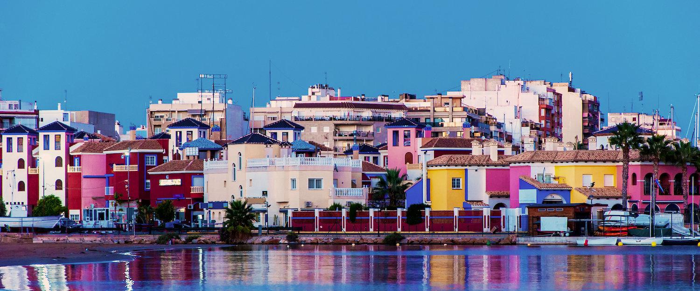 Färgglada stadskärnarn i Torrevieja