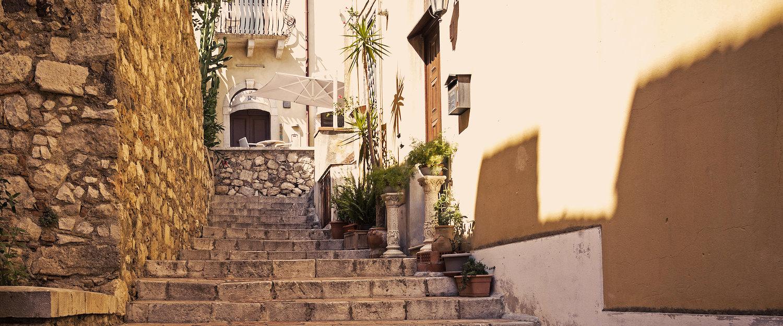 Vicoletto a Tripi, provincia di Messina.