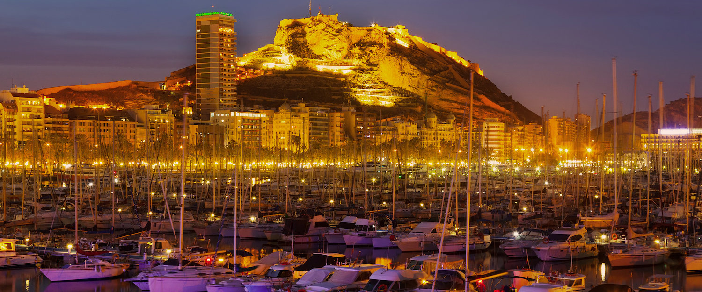 Noche en el puerto de Alicante