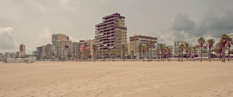 Vistas de los apartamentos desde la playa