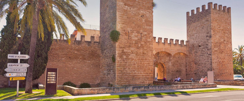 Der Eingang zu der Mauer, Alcudia