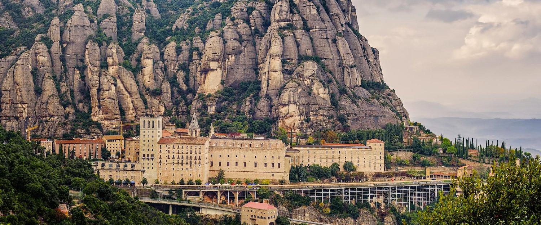 Die Benediktinerabtei Santa Maria de Montserrat in der Provinz von Barcelona.
