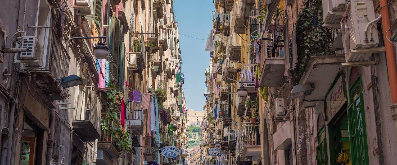 Le colorate vie della Campania.