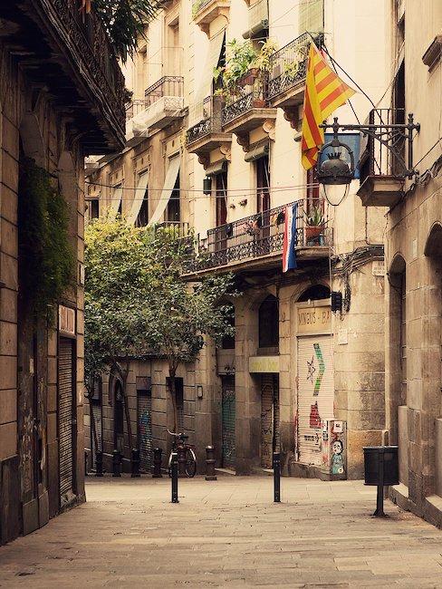 Rue dans la vieille ville de Barcelone